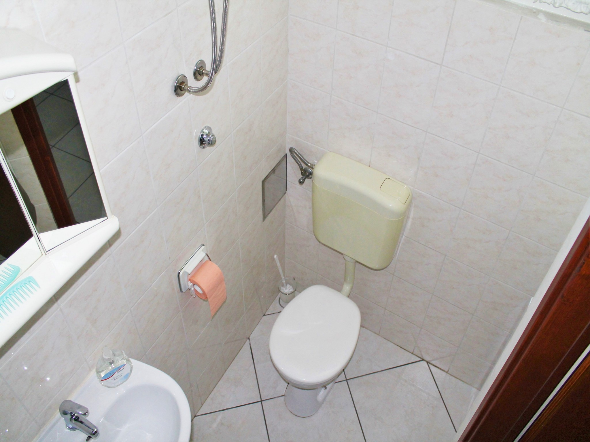 Ferienwohnung Ferienwohnungen und Zimmer Katija, Apartman A2+2 (939749), Split, , Dalmatien, Kroatien, Bild 21