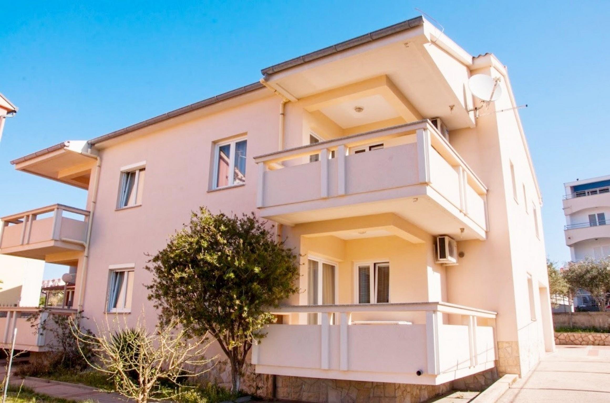 Ferienwohnungen Karolina Studio apartman s balkonom