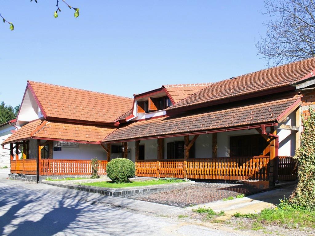 Ferienwohnung Ferienwohnungen und Zimmer }eljko, Soba 1/3 (940773), Rakovica, , Mittelkroatien, Kroatien, Bild 1