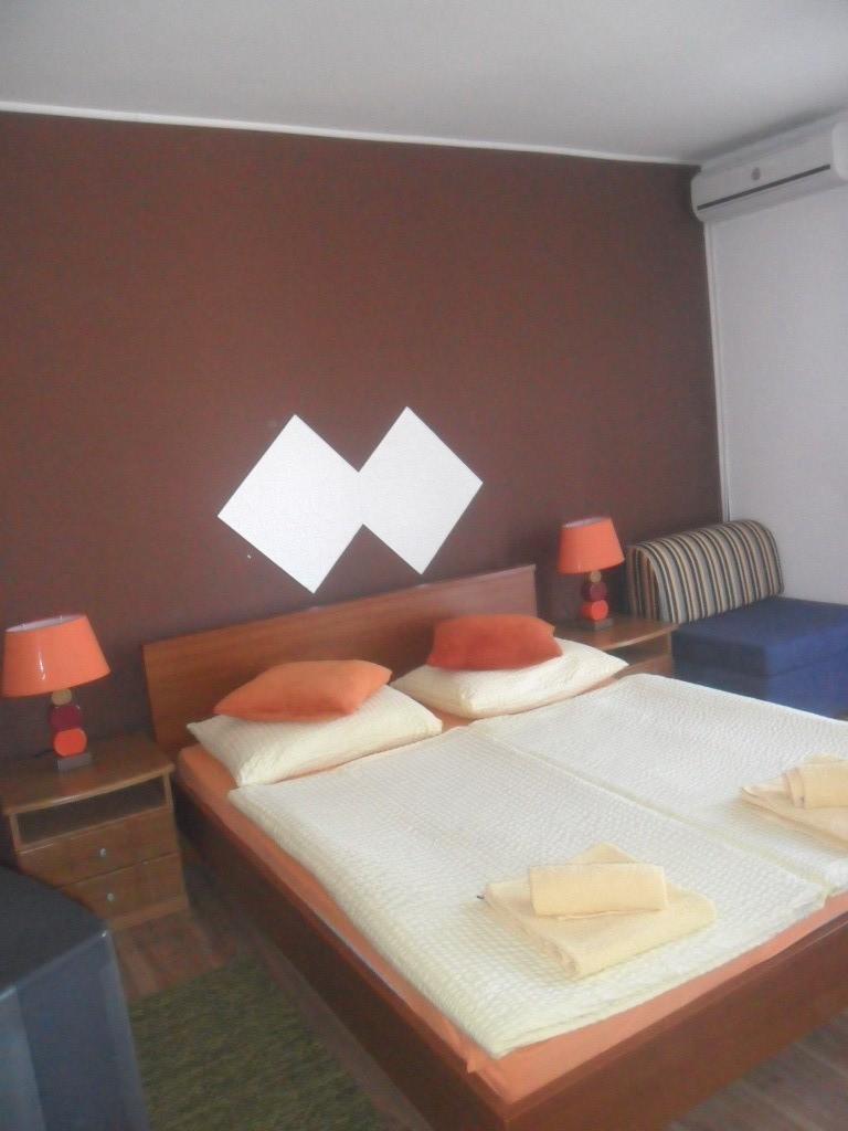 Ferienwohnung Ferienwohnungen und Zimmer Ivanka, Soba 1/2 (1073645), Rakovica, , Mittelkroatien, Kroatien, Bild 13