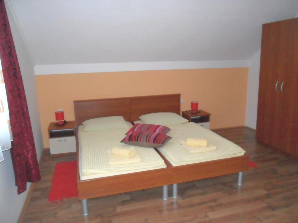 Ferienwohnung Ferienwohnungen und Zimmer Ivanka, Soba 1/2+1 (1073646), Rakovica, , Mittelkroatien, Kroatien, Bild 12