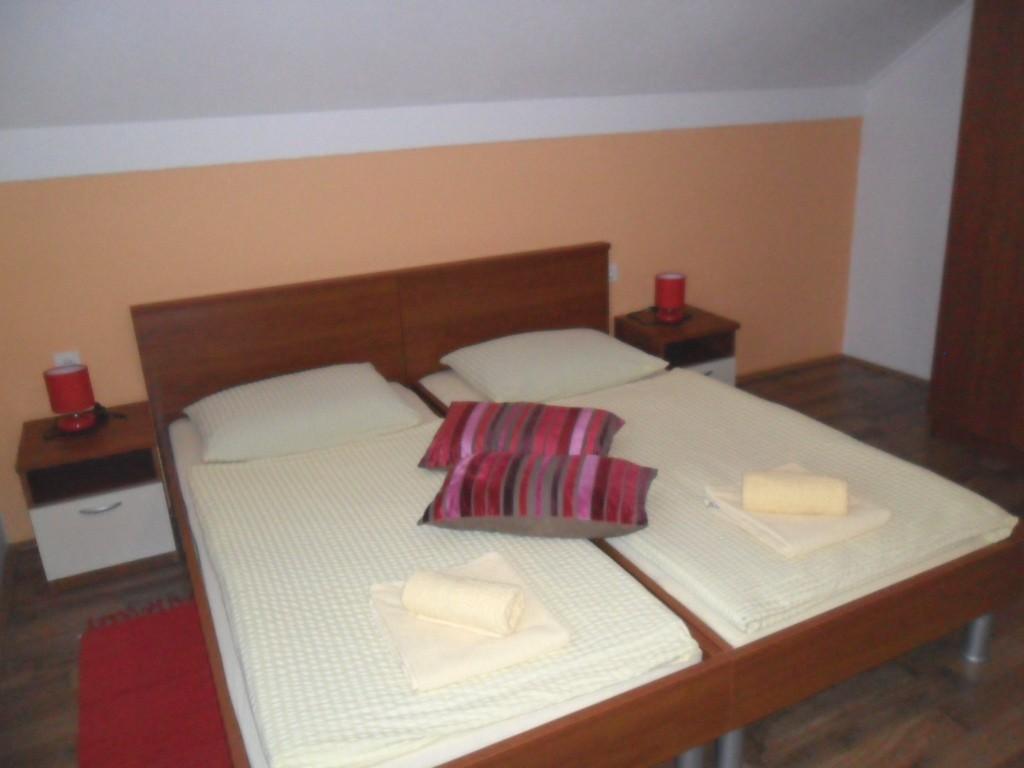 Ferienwohnung Ferienwohnungen und Zimmer Ivanka, Soba 1/2+1 (1073646), Rakovica, , Mittelkroatien, Kroatien, Bild 13