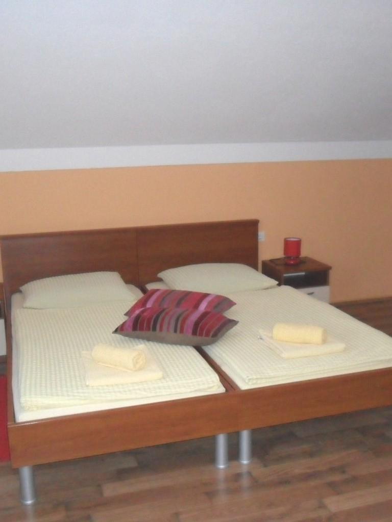 Ferienwohnung Ferienwohnungen und Zimmer Ivanka, Soba 1/2+1 (1073646), Rakovica, , Mittelkroatien, Kroatien, Bild 14